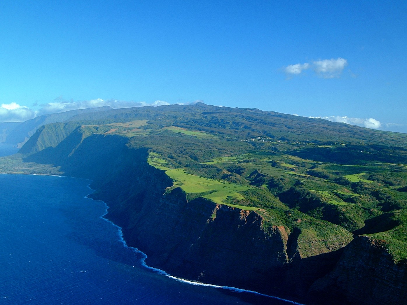 ESCAPE TO PARADISE: Top Five Hawaiian Islands