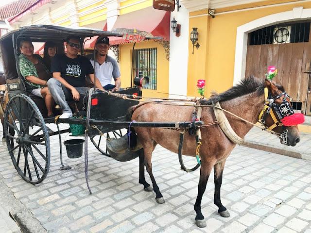 Calle Crisologo Calesa Ride Vigan Ilocos Sur