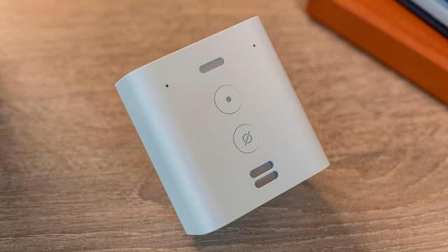 8. Amazon Echo Flex