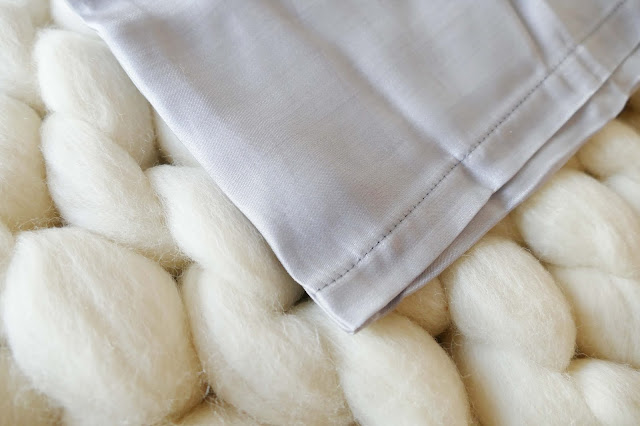 HannahsilkGifts Review, HannahsilkGifts blog review, HannahsilkGifts etsy, HannahsilkGifts  etsy review, HannahsilkGifts  silk pillowcases