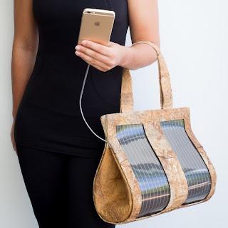 Le sac à main qui recharge votre portable !
