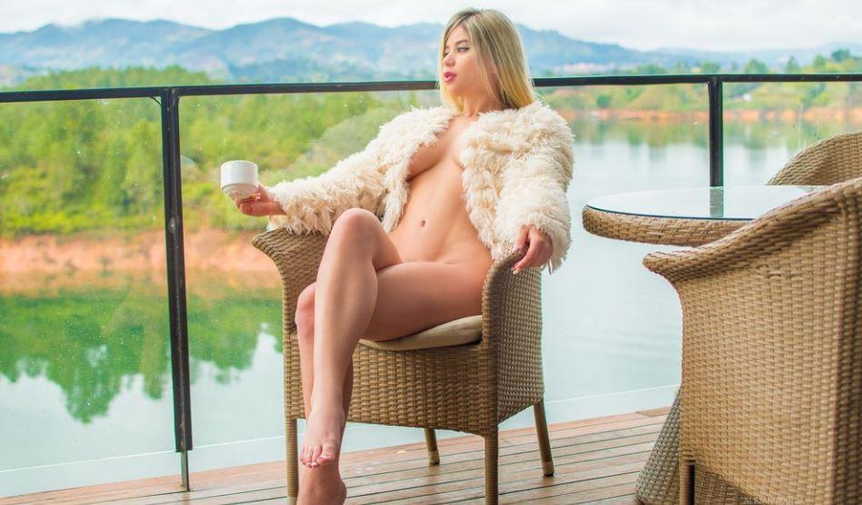AlejandraRoa Model GlamourCams