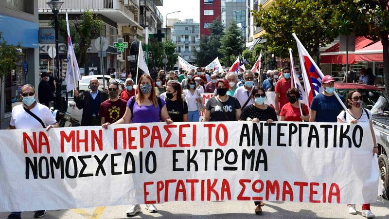 Μαχητική απεργιακή συγκέντρωση στην Αλεξανδρούπολη για να μην περάσει το αντεργατικό νομοσχέδιο