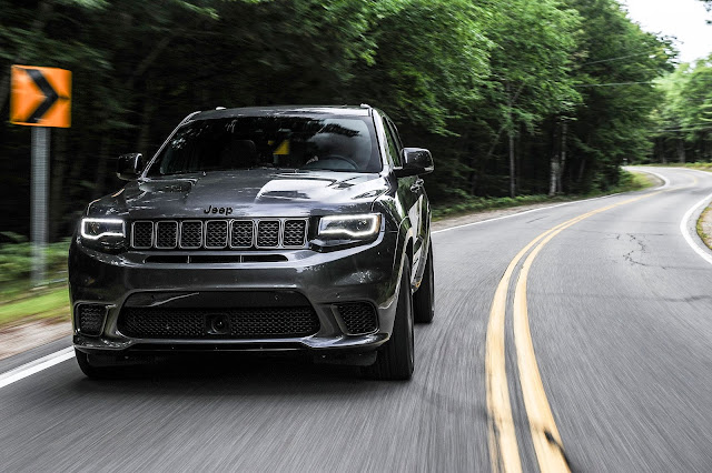 Front view of 2019 Jeep Grand Cherokee Trackhawk