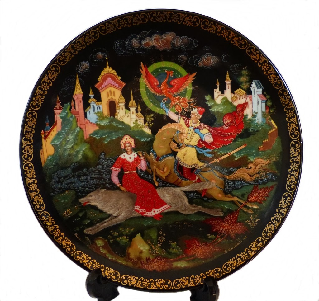 Palekh lacquered miniature decorative dish