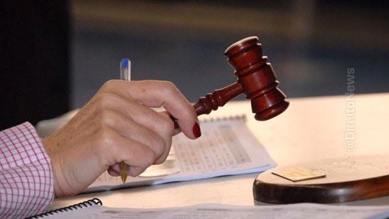 juiza anula atos advogado impedido processo