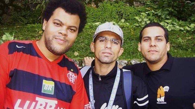 Do convite da 'FlaTV' à missão familiar: conheça as histórias de torcedor de Babu Santana