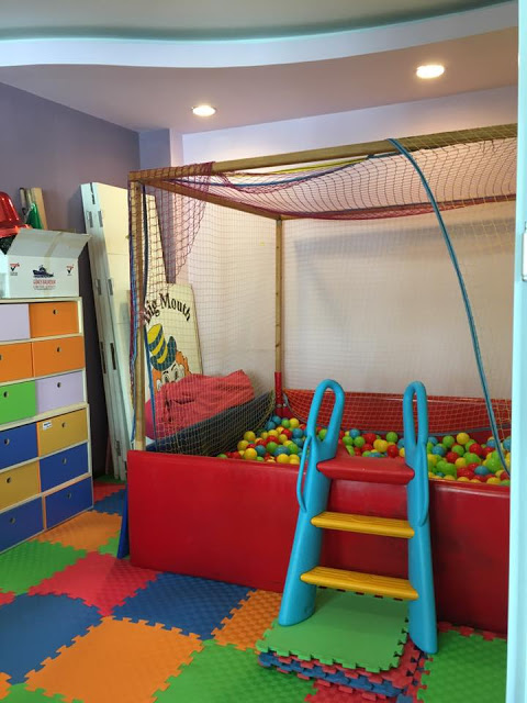 An area for the kids to go to mix with other kids