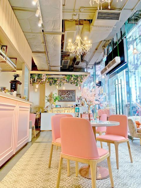 裝潢近似韓國花花Cafe