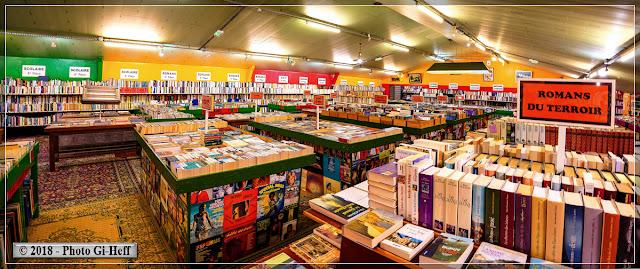 dtr la bouquinerie une des salles de livres