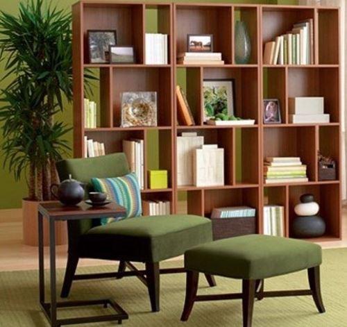 Lemari Buku Minimalis dan ruang baca keluarga