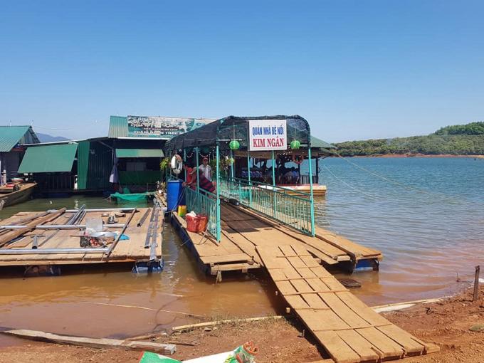 Phát triển dịch vụ trên lòng hồ thủy điện Sê San 4