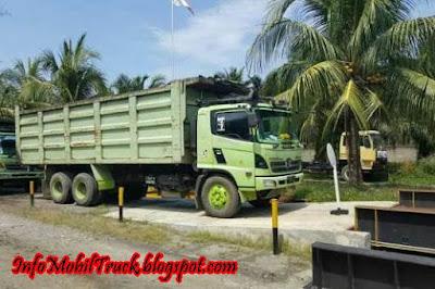 Model dam truck hino lohan
