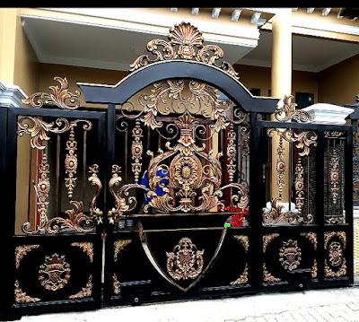 pintu gerbang besi tempa untuk rumah mewah
