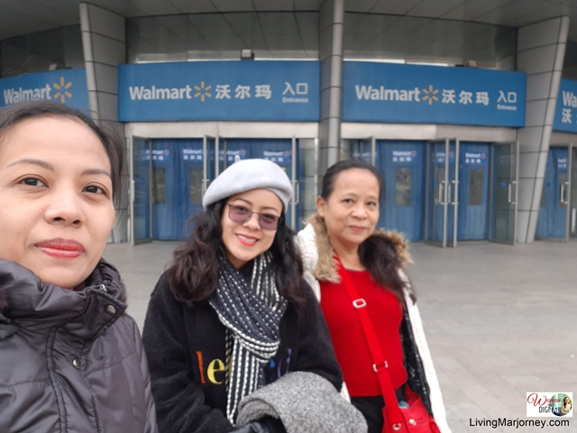 Shopping in Walmart Beijing