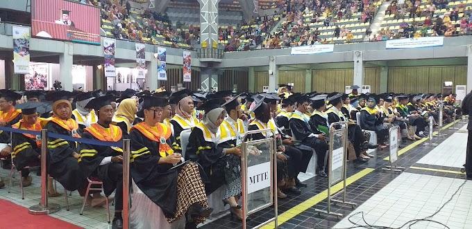 PNJ Wisuda Mahasiswa Program Magister Terapan
