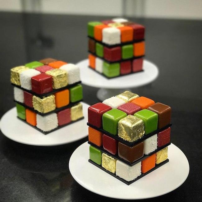 bolos feitos de cubos magicos 01 - Os cubos mágicos que você provavelmente adoraria devorar.