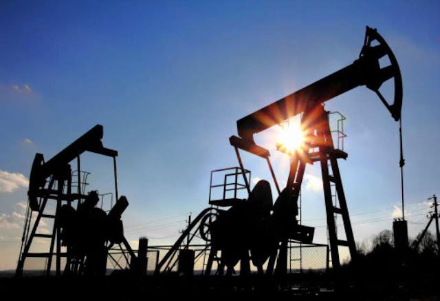 Reuters: Maduro compra petróleo en el extranjero para subsidiar a Cuba