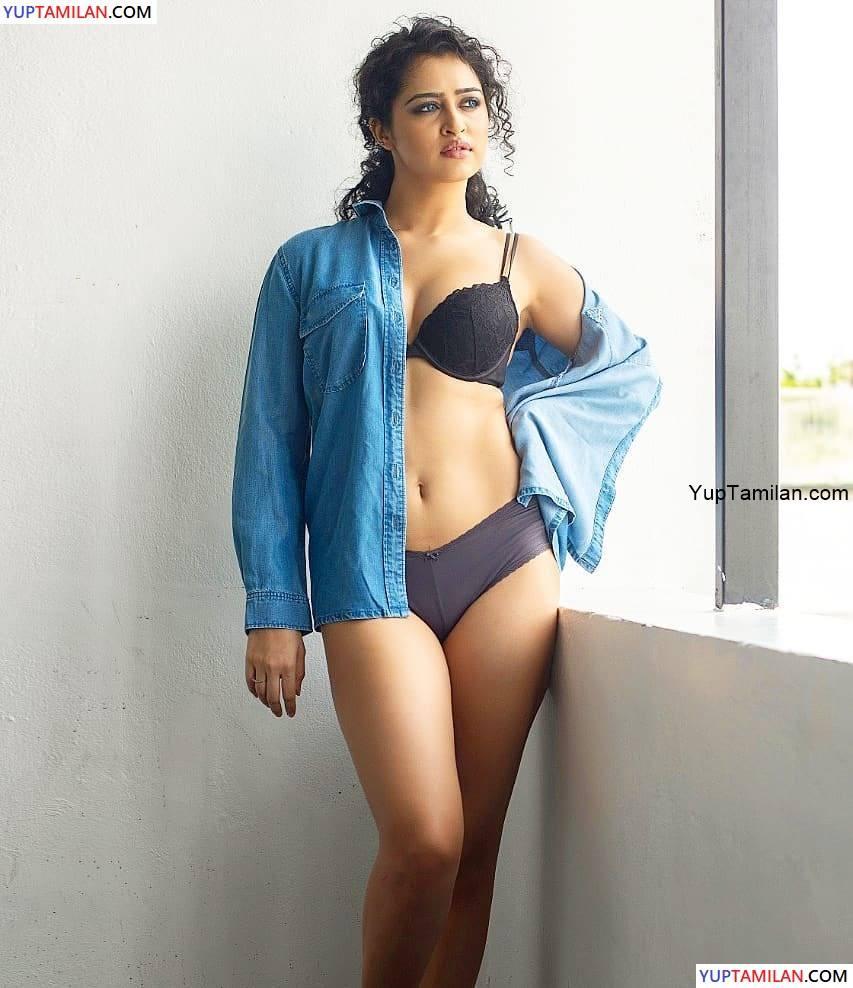 Apsara Rani Spicy Images in Bra-Underwear Pics
