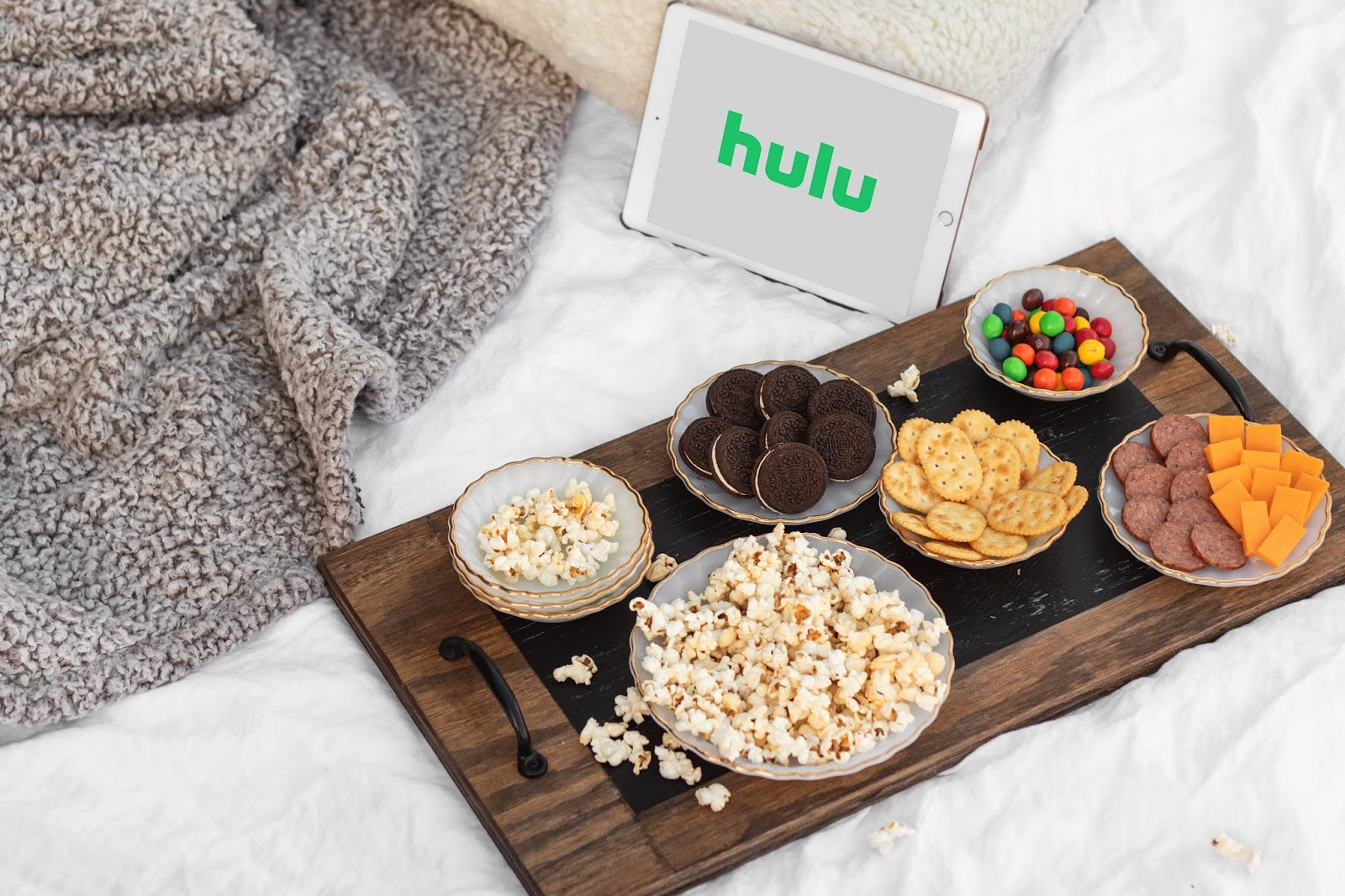What to watch checklist, what to watch on prime video, what to watch on hulu, what to watch on netflix, best things to stream right now, best shows to watch right now, best movies to watch right now, at home movie night