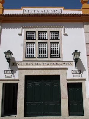 fachada da antiga Fábrica da Vista alegre