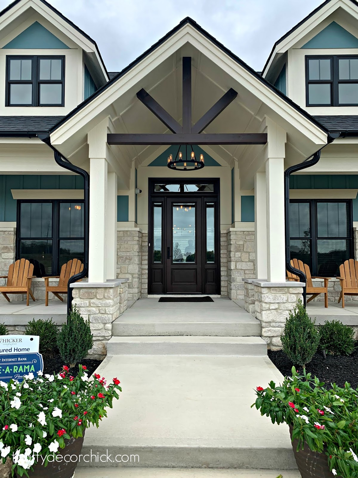 Craftsman arched front exterior with double porches
