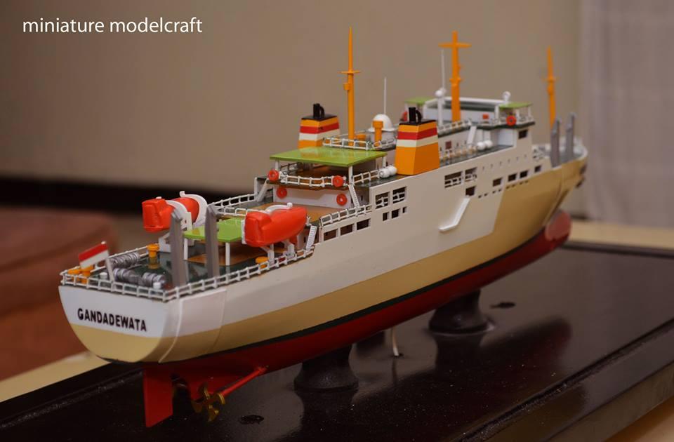 tempat jual miniatur kapal penumpang pelni km ganda dewata rumpun artwork planet kapal terpercaya
