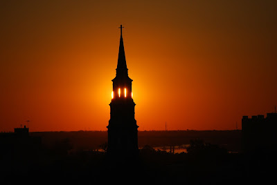 http://www.bestofcharlestonsc.com/historic-downtown-charleston-sc-neighborhood/