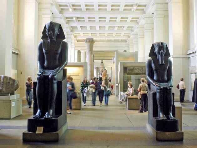 الاثار المصرية فى الخارج
