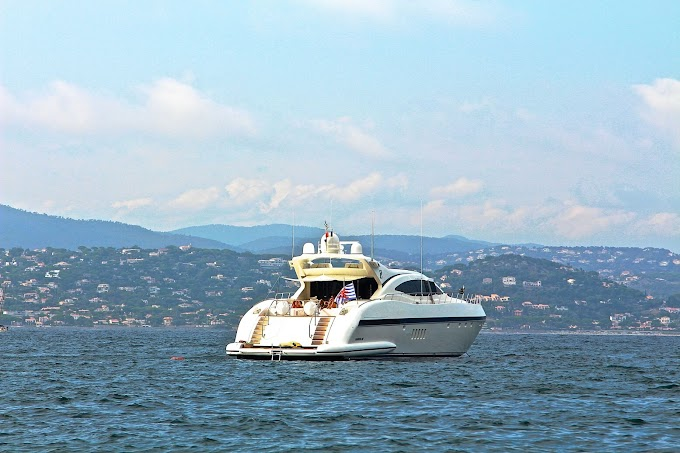A perfect day yacht charter on the French Riviera