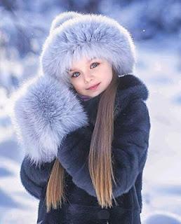 صور بنت صغيرة رائعة