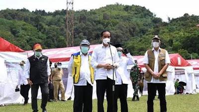 Presiden Joko Widodo Meninjau Lokasi Bencana Banjir  Kalsel dan Gempa Sulbar