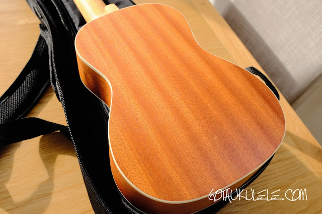 Hricane UK-23 Ukulele back
