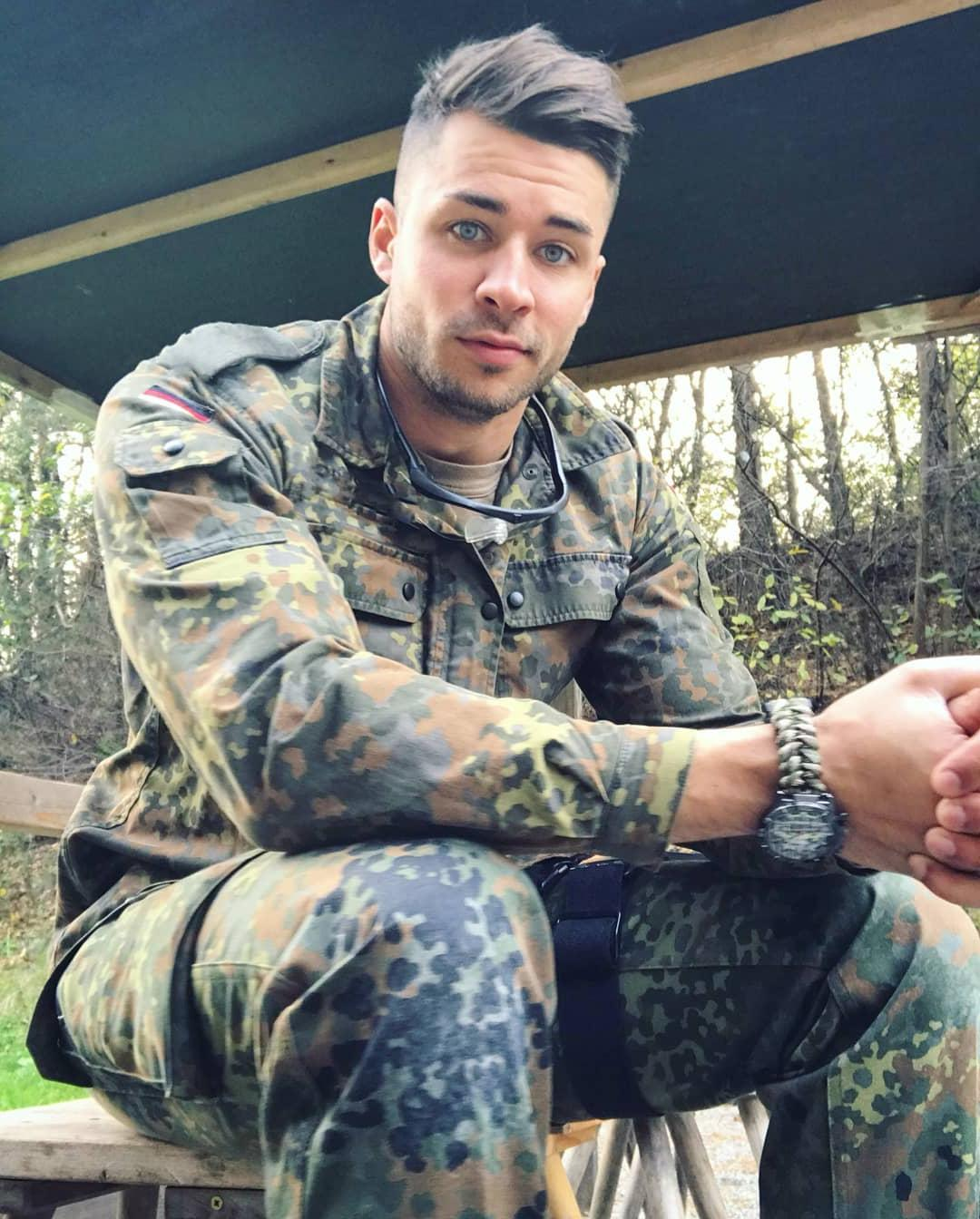 young-uniformed-military-soldier-beautiful-blue-eyes