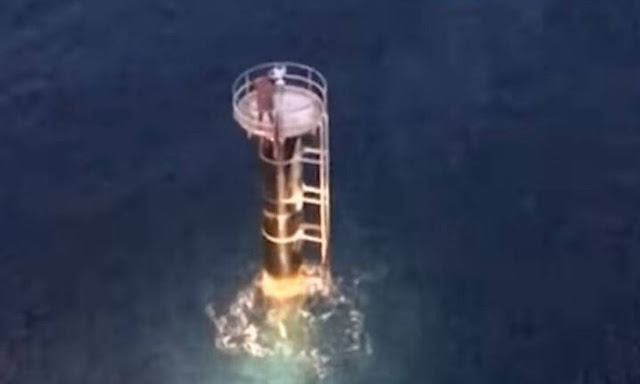 Incredible incident: He fell from his boat and was saved by the lighthouse!