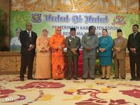 Kapolres Sorong Di Wakili Waka Polres Hadiri Halal BI Halal Oleh Pemda Kab Sorong Bersama Masyarakat Kab Sorong