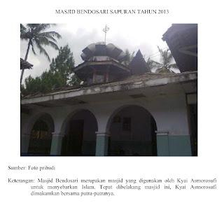 Makam KH. R. Asmorosufi dan KH. R. Ali Marhamah beserta keluarga terletak di sebelah barat Masjid Bendosari Sapuran