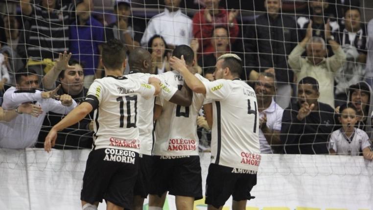 Corinthians UNIP vence Atlântico Erechim por 7 a 2 e garante vaga nas  semifinais da LNF 18c2a86824def
