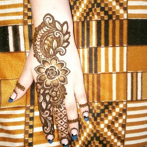 sunflower-pattern-indian-mehandi-design