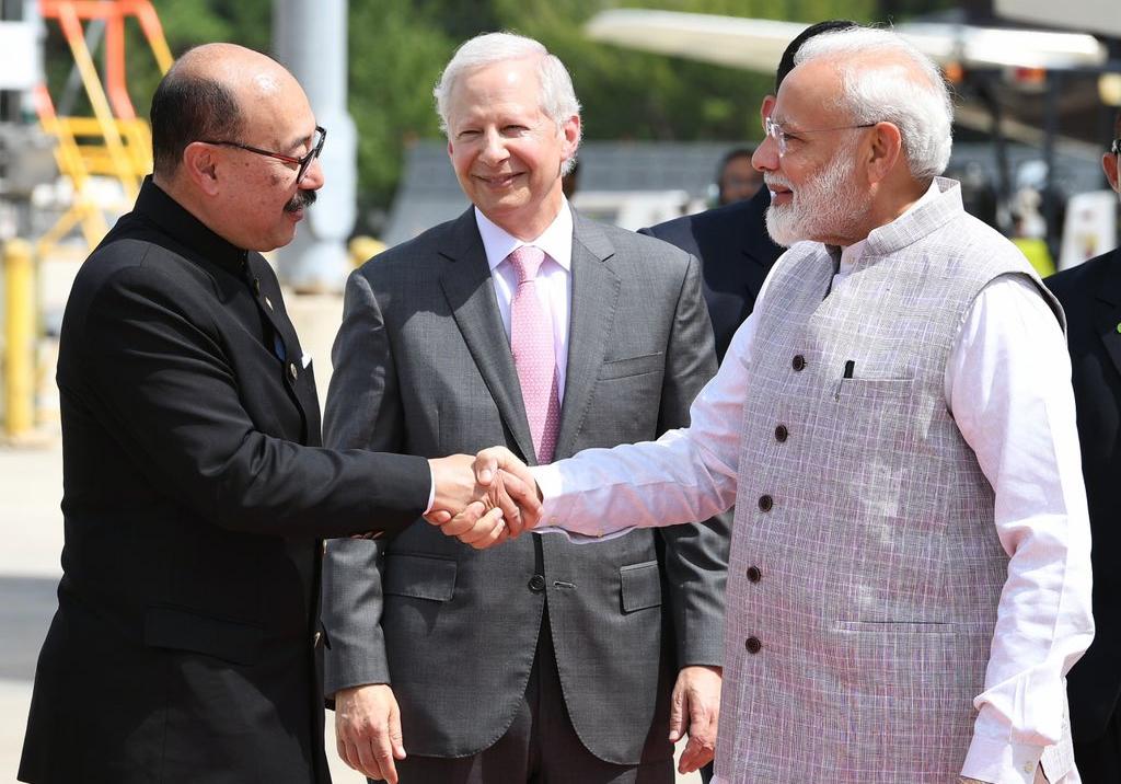 हाउस्टन पहुंचे पीएम मोदी, राष्ट्रपति डोनाल्ड ट्रंप से मुलाकात