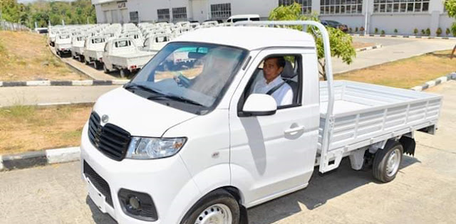 PAN: Jokowi Jangan Pencitraan, Info Mobil Esemka Harus Jelas