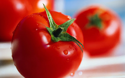 tomatoes are rich in water which can be used to protect us from sunstroke