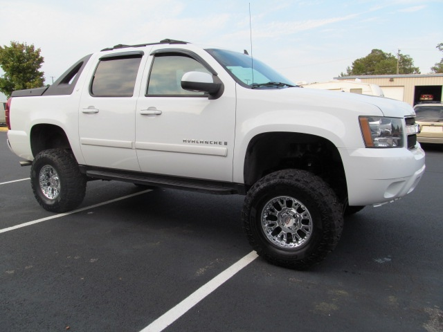 truck conversions for sale 2007 chevy avalanche lifted. Black Bedroom Furniture Sets. Home Design Ideas