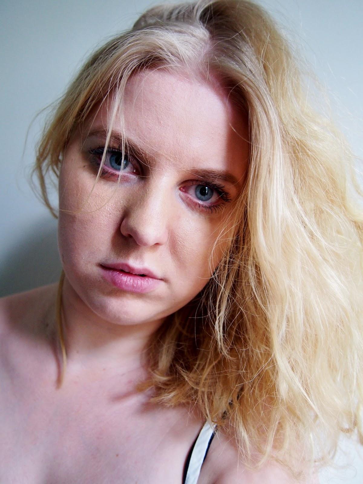 messy hair sotkuinen tukka hiukset kauneus fashion fashionista beauty kaunis nainen women