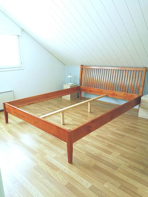 Saippaukuplia olohuoneessa - blogi, Kuva Hanna Poikkilehto, Sänky, makuuhuone, kun lapsi tippuu sängystä ja lyö päänsä,