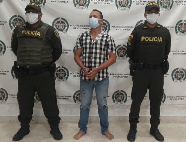https://www.notasrosas.com/Policía Guajira captura hombre en Riohacha, por lesiones personales