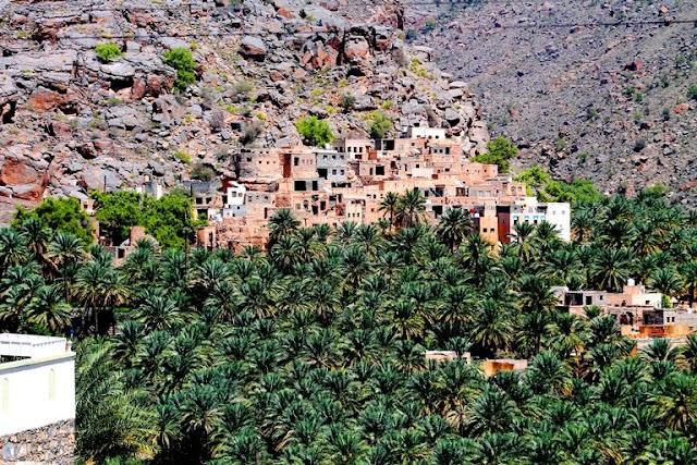 صور مسفاة العبريين .. قرية زرعت بيوتها فوق الصخر