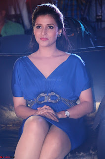 Mannara Chopra in Short Blue Dress at Rogue Movie Teaser Launch 1st March 2017 030.JPG