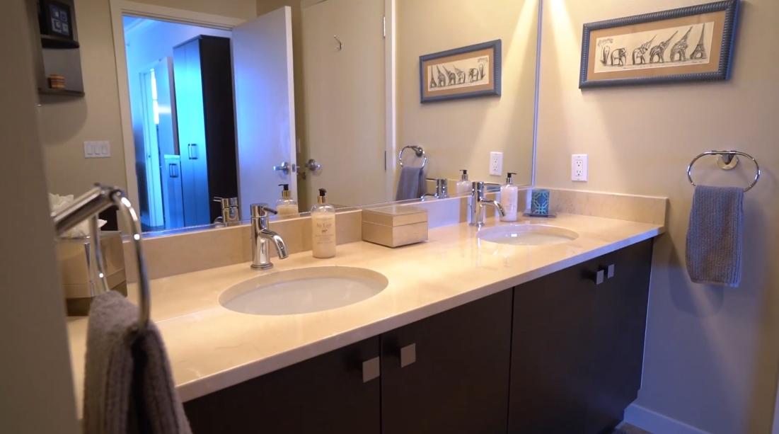 20 Interior Design Photos vs. 800 The Mark Ln #707, San Diego Luxury Condo Tour
