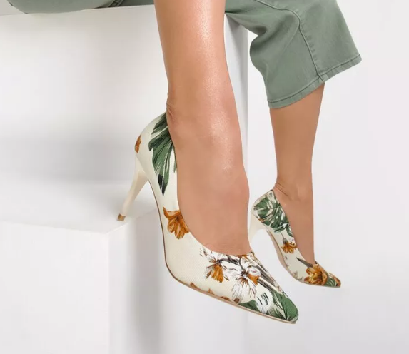 Pantofi stiletto bej cu imprimeul cu flori